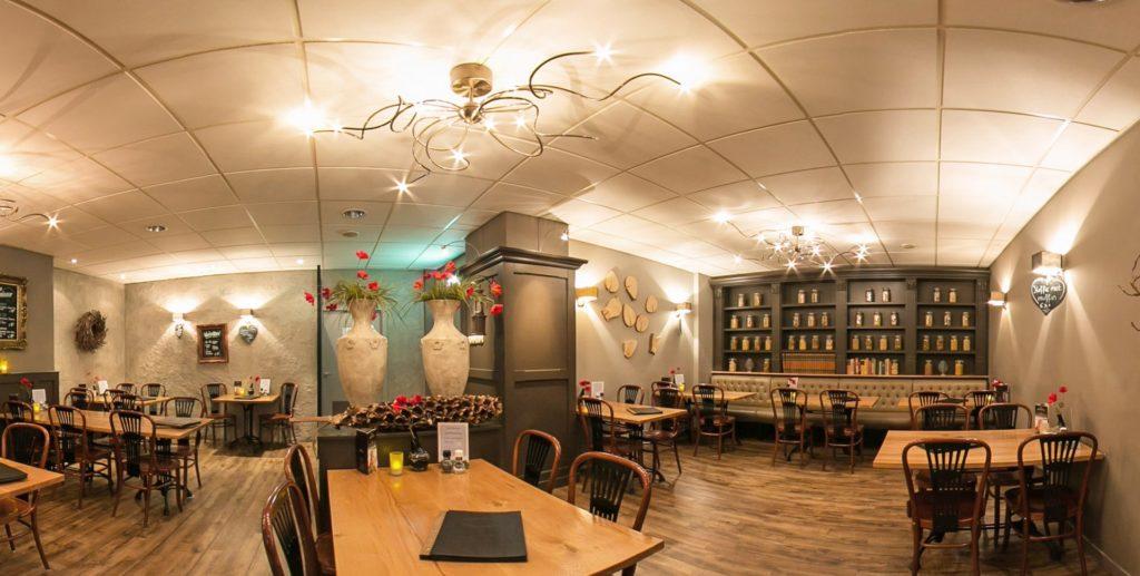 Cafe-Midden-eind